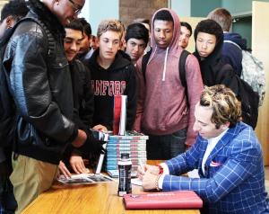 book-signing_leticiaesparza